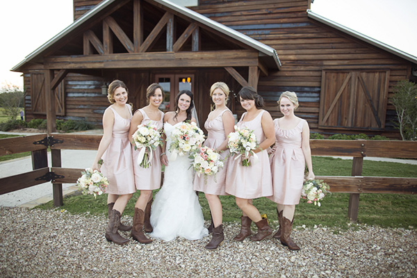 02 blush and ivory spring wedding at thistle